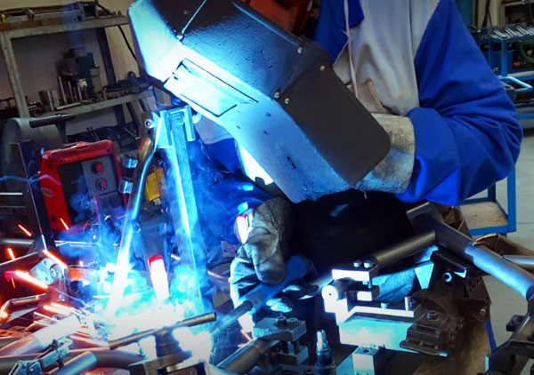 Karting service officina go kart assistenza riparazione - vendita telai motori ricambi e accessori go kart - manutenzione racing kart
